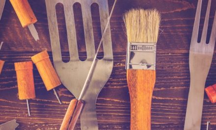 Hilfsmittel für komfortables Grillen – Spray, Besteck, Handschuhe und Co. zum Grillen