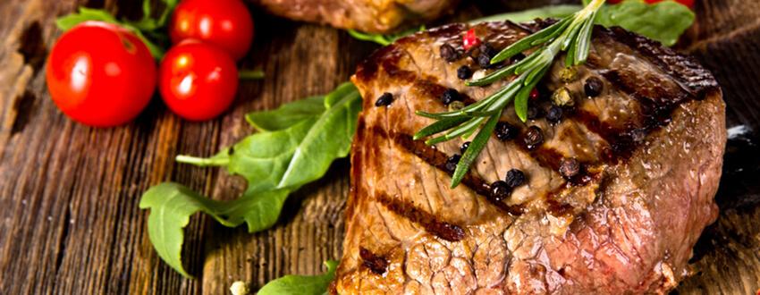 Kräuter reduzieren Krebsgefahr beim Grillen