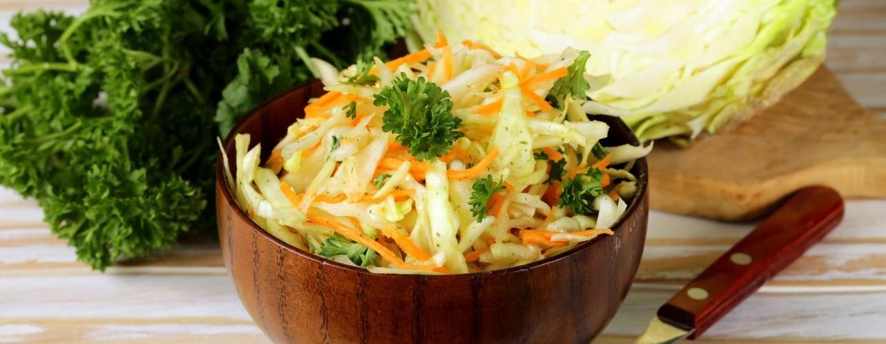 Coleslaw Salat – der amerikanische Klassiker zum Grillbuffet